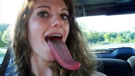 meet the girl with the longest tongue in the world video long tongue girl уроки вязания на видео