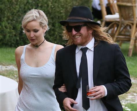 Jennifer Lawrence Caught Braless Flashes Nipple Poke Jennifer Lawrence Pokies At A Wedding In Florence Italy