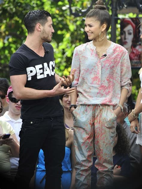 val chmerkovskiy and zendaya dating zendaya coleman pictures dwts stars stop by extra