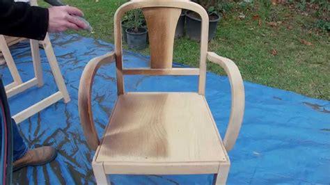 une chaise d 233 capage d une chaise vernis