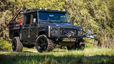 land rover defender 2019 2019 land rover defender confirmed coming with five body
