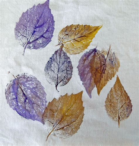 textile arts now printing leaves on fabric
