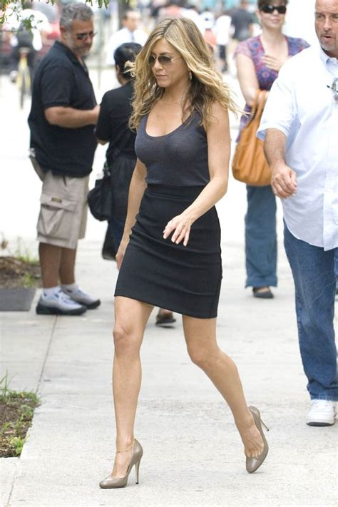 8 Aniston The Bounty Promo Looks by Aniston On The Set Of 171 Bounty 187 12 Pics