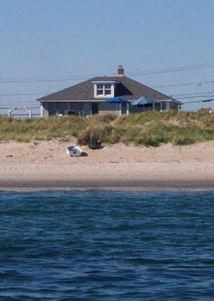 rhode island rentals oceanfront 17 best images about beachfront rentals rhode island sandhill cove rd on cold