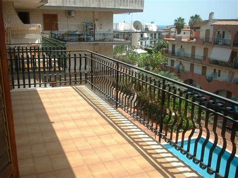 promoservice giardini naxos appartamento recanati con piscina