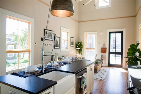 American Craftsman Ranch by Fixer Upper Takes On A Vintage Tiny House Hgtv S Fixer