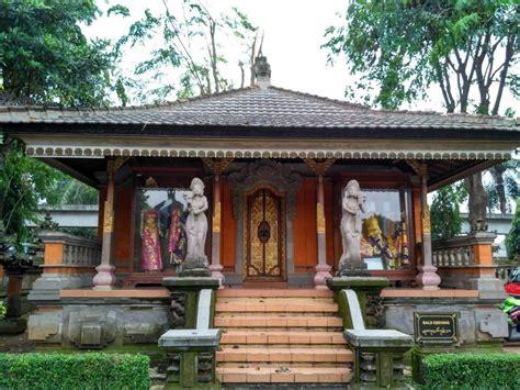 Hiasan Adat Bali Untuk Di Rambut gambar rumah adat bali gapura candi bentar gambar budaya lengkap contoh di rebanas rebanas