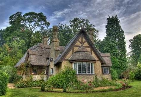 a cottage house 40 beautiful thatch roof cottage house designs