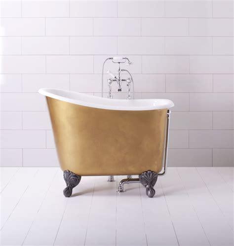 japanese bathtubs small spaces robinet noir et accessoires de couleur fonc 233 e pour la