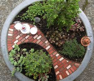 Ugly Backyard Makeovers How To Recycle Miniature Fairy Garden Designs