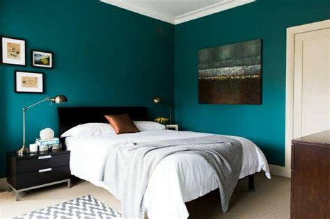 peinture bleu chambre chambre bleu canard et associations ou accessoires