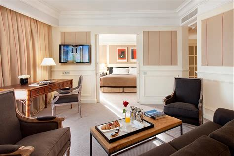 rooms suites and penthouses in barcelona majestic hotel