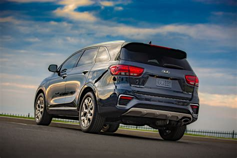 2019 kia sorento debuts with cross gt inspired facelift