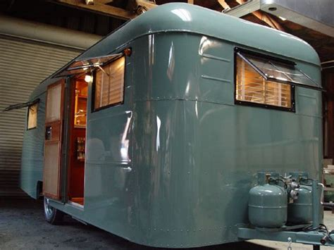 1947 westwood tahoe this trailer looks nothing like mine but i the colour i think this