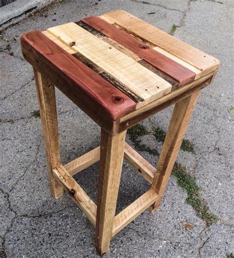 Pallet Side Table Diy Chic Polished Pallet Side Table Wooden Pallet Furniture