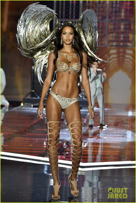 Vs Model by Lais Ribeiro Models Bra At S Secret