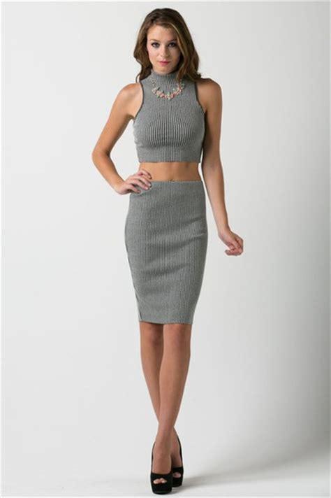 pencil skirt tops