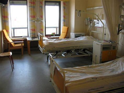 permesso di soggiorno cure mediche pressenza illegittimo negare le cure mediche essenziali