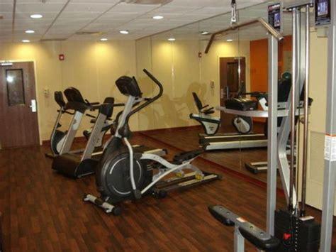Comfort Inn Mccoy Rd Orlando Fl Comfort Suites Orlando Airport Updated 2017 Prices