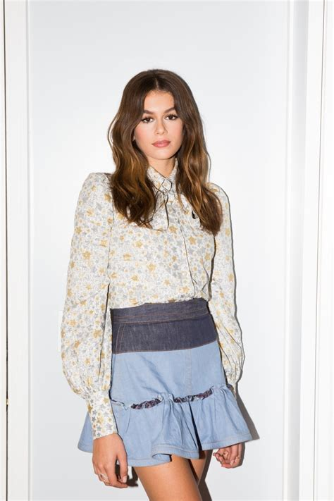 kaia gerber routine kaia gerber talks being the face of marc jacobs daisy