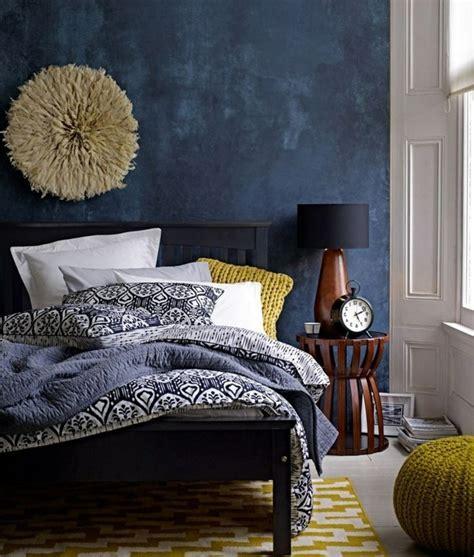 schlafzimmer blau grau die wundersch 246 ne und effektvolle wandfarbe petrol