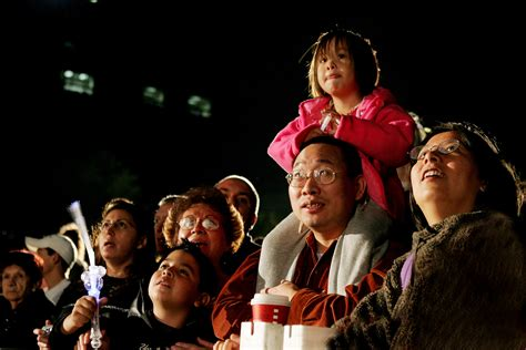 uptown houston holiday lighting uptown houston holiday lighting to dazzle city with
