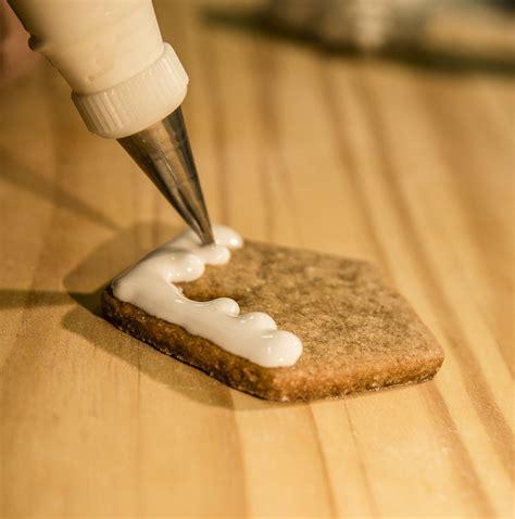 quando decorare i biscotti tutorial biscotti di natale decorati happy cakes to you