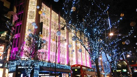 file house decorated for christmas jpg wikimedia commons file christmas 2016 decorations house of fraser oxford