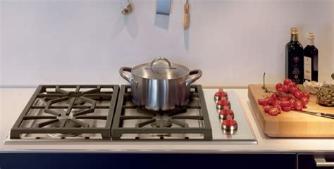 wolf  stainless professional gas cooktop cgps
