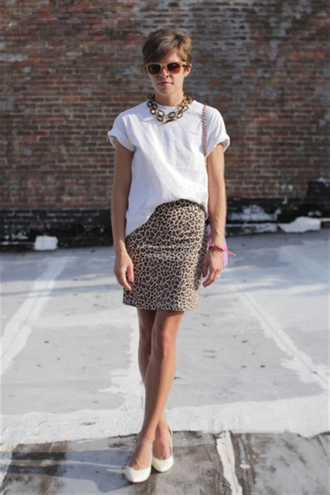 Rok And Blouse 267 white heels amethyst bags beige leopard print skirts
