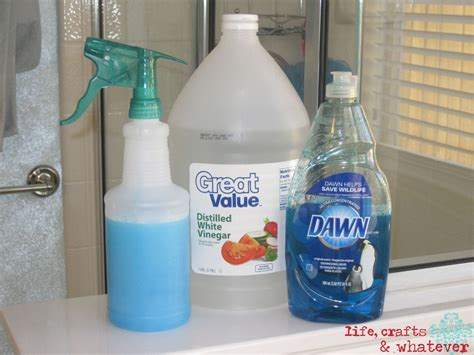 Shower Door Cleaner Vinegar Clean Soap Scum On Shower Doors Using Original Dish Detergent And Vinegar Cleaning And