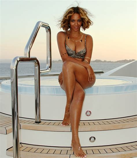 beyonce bathtub call the entourage celebrities are hot for hot tubs