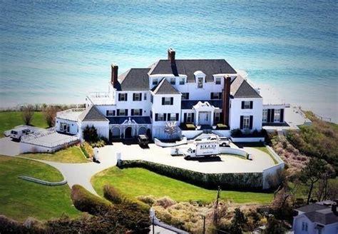taylor swift house ri taylor swift s rhode island beach house new england pinterest