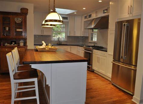 kitchen island overhang kitchen island countertop overhang captainwalt com
