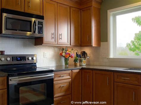 maple kitchen cabinets with quartz countertops 55 best kitchen images on pinterest