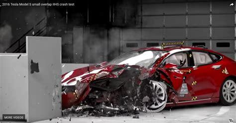 best of crash test tesla slams iihs after acceptable model s test