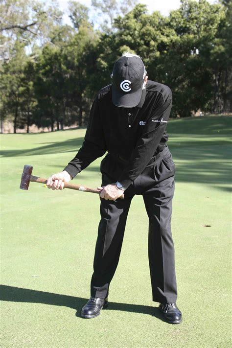 hammer golf swing sledge hammer golf swing pictures to pin on pinterest