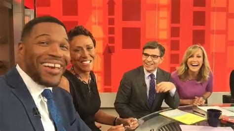 michael strahan joins good morning america robin roberts praises michael strahan quits live to join abc s good morning