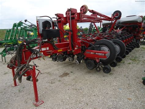 Deere 1250 Planter by 2012 Ih 1250 Planting Seeding Planters