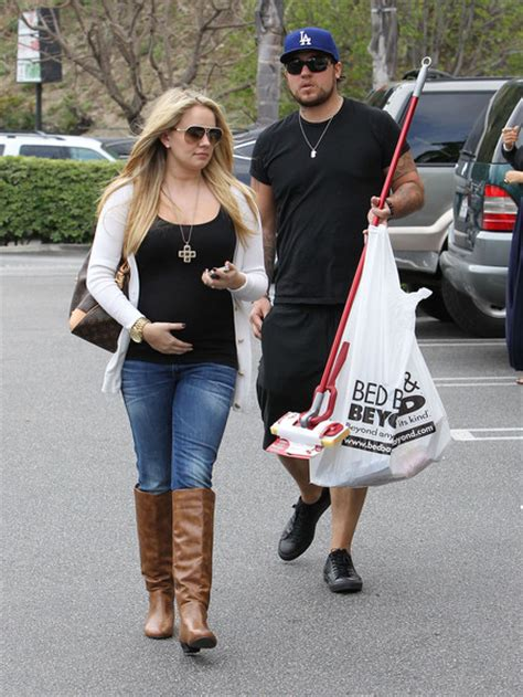 bed bath and beyond thornton tiffany thornton in pregnant tiffany thornton stopping at
