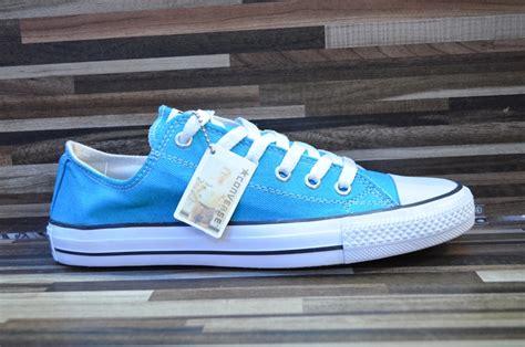 sepatu converse low biru laut sepatu converse jual