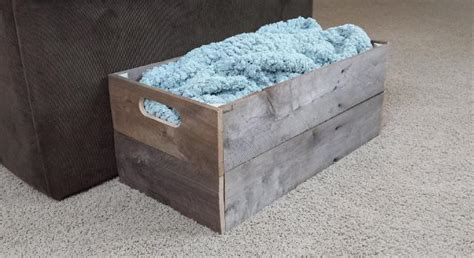 how to crate how to make a wooden pallet crate fixthisbuildthat