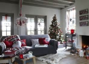 Decorations For Living Room by 55 Dreamy Christmas Living Room D 233 Cor Ideas Digsdigs