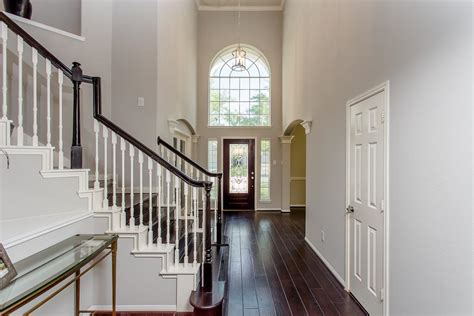 2 story foyer lighting hanging 2 story foyer chandelier stabbedinback foyer 2