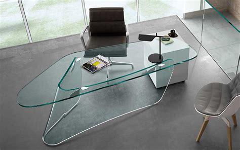 scrivania in vetro curvato graph la scrivania in vetro curvato firmata xavier lust