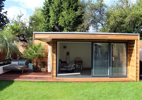 Flat House Design by Modern Garden Studio Built In Central London Garden Lodges