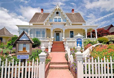 cute house big cute house lodging luxury image 299959 on favim com