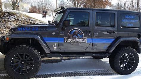 jurassic jeep blue jeep confirms 2018 jurassic park jurassic edition