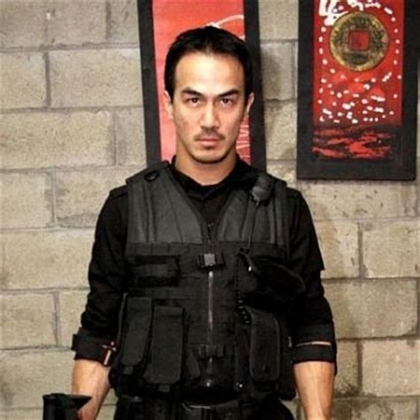 iko uwais main film keanu reeves aktor indonesia main di fast and furious 6 cari tau di