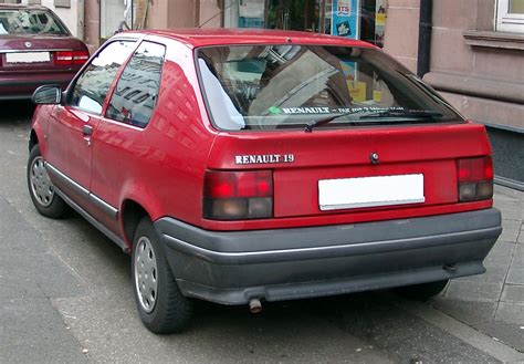renault hatchback from the 1980s renault 19 wikiwand